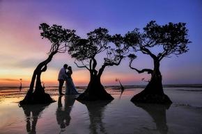 """I'm grateful for you every day and thankful for your love. It's an awesome part of my life and a real blessing from above""  Courtesy of Pras Lia @joe_gunawan @lia.okt . . #savethedate #weddingphoto #preweddinginspiration #preweddingideas #thebridestory #weddingku #friendsphotovideo #weddingphotography #preweddingclip #weddingclip #preweddingjogja #preweddingbandung #preweddingbali #idewedding #preweddingshoot #vendorsemarang #idepernikahan"