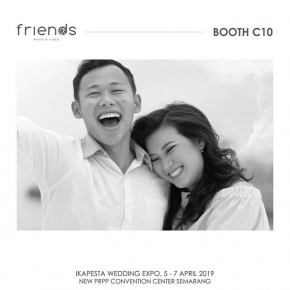 Color psychology suggests that different colors can have an impact on our moods, feelings, and even behaviors. . . Pink is essentially a light red and is usually associated with love and romance. Fell the romance of your wedding day by choosing only the right person to capture the most romantic moment on your life at our booth C10 . . only at @ikapesta Expo 2019 Muria hall – PRPP Semarang April 5-7 2019.  #ikapesta  #ikapestafaithfullyyours  #ikapestaweddingexpo  #friendsphotovideo