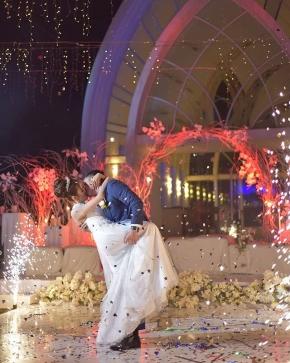 """Worlds change when 2 hearts meets.."" .  Courtesy of Bowo Seli @pinoxxio @seliejesselyn .  #brideandgroom#bride#groom #bridestory#weddinginspiration #weddingku #thebridestory #weddingphotography #photoprewedding #wedding #vendorweddingsemarang #preweddingphotographer #preweddinginspiration  #preweddingidea #weddinginspiration #semarangphotography #jakartaphotographer #surabayaphotographer #baliphotographer #baliwedding #vendorwedding #jakartawedding #friendsphotovideo"
